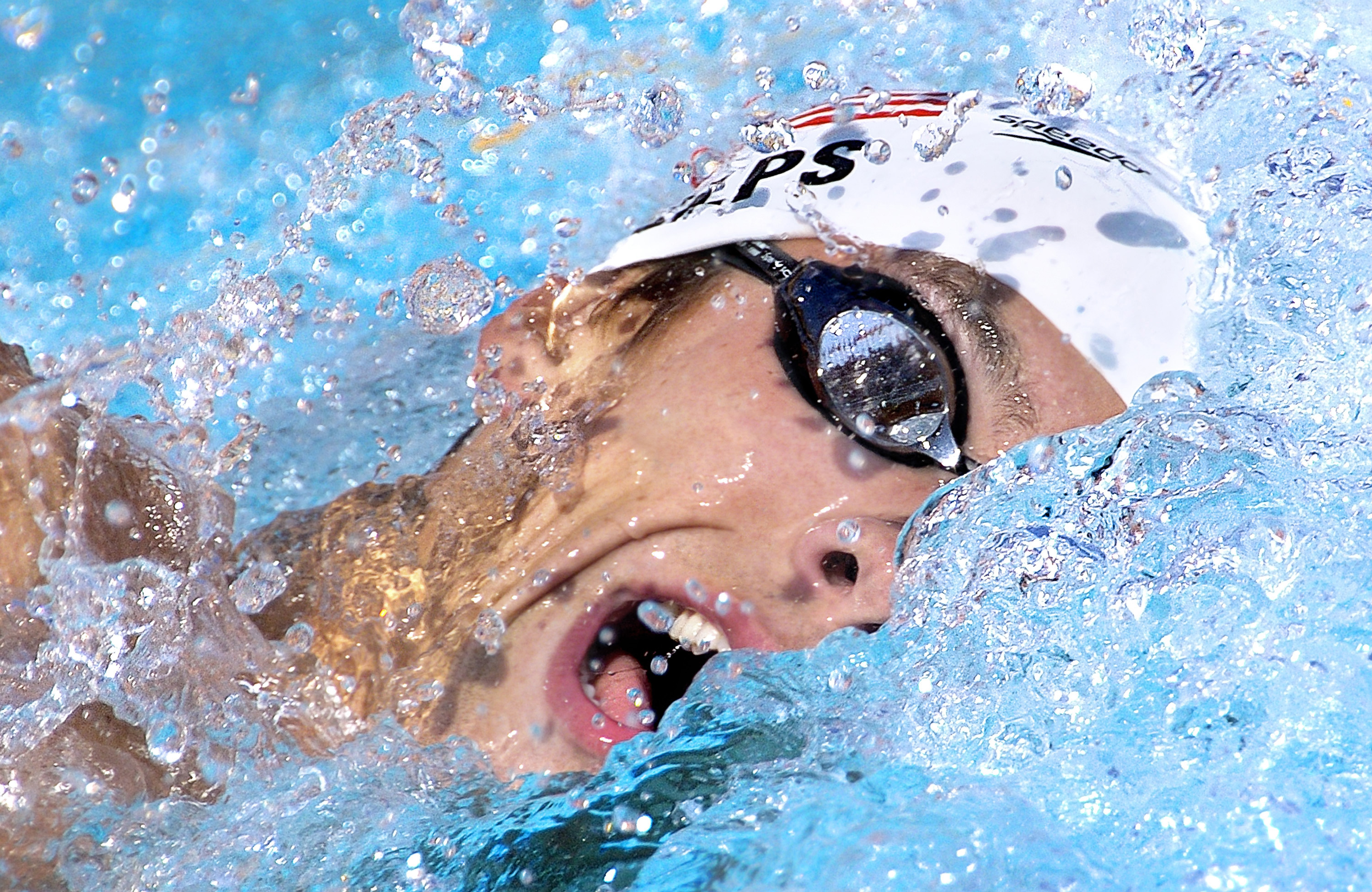 4-Michael-Phelps-Olympic-GOLD