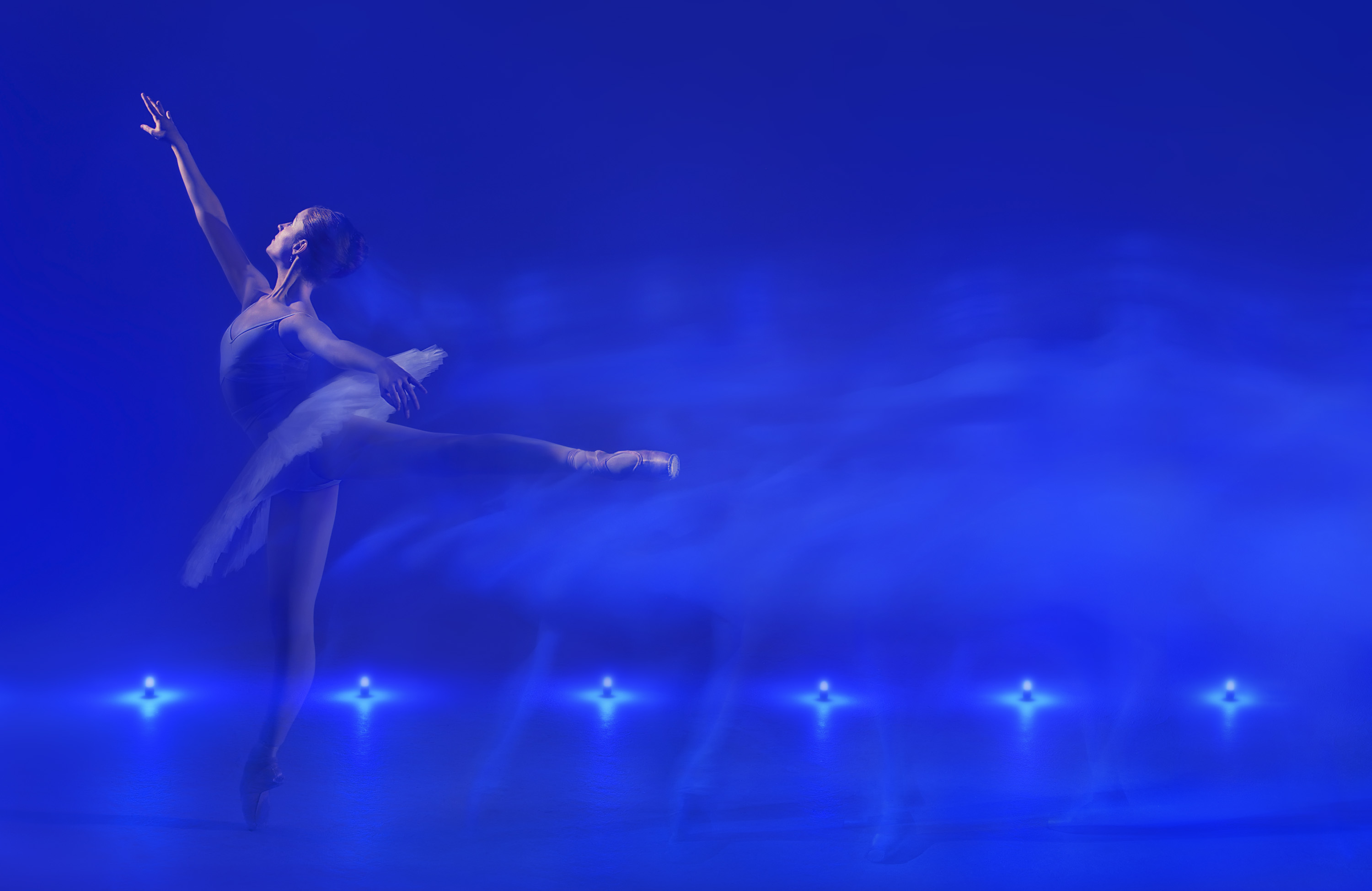 6-Arabesque-Blue-Motion